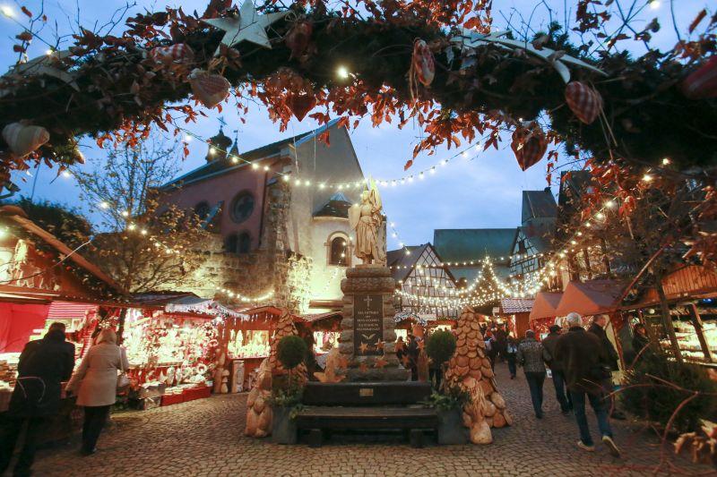 Les Marchés de Noël desservis par les Navettes de Noël du Pays des Etoiles • Eguisheim