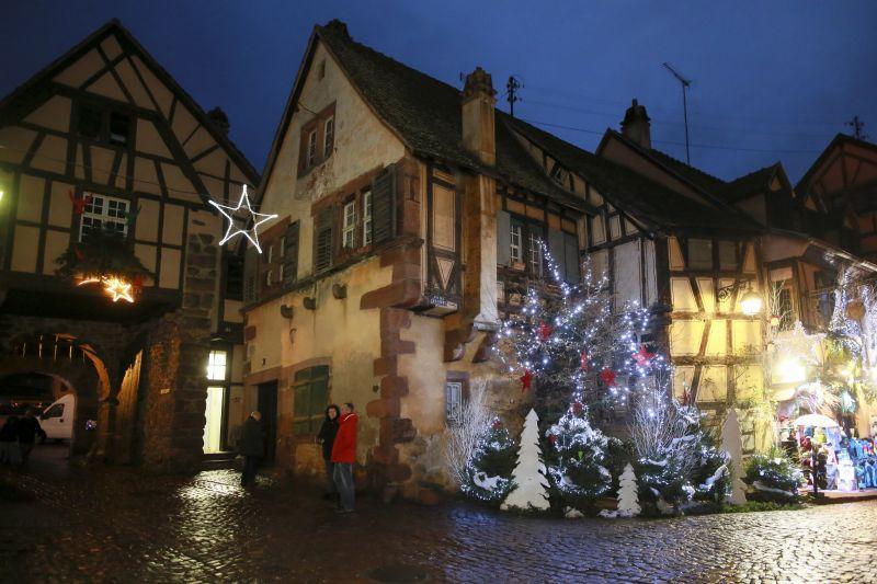 Les Marchés de Noël desservis par les Navettes de Noël du Pays des Etoiles • Riquewihr